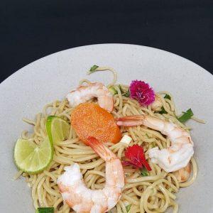 Salade de nouilles Chinoises aux crevettes sautées du traiteur Goodee SQY à Voisins le Bretonneux