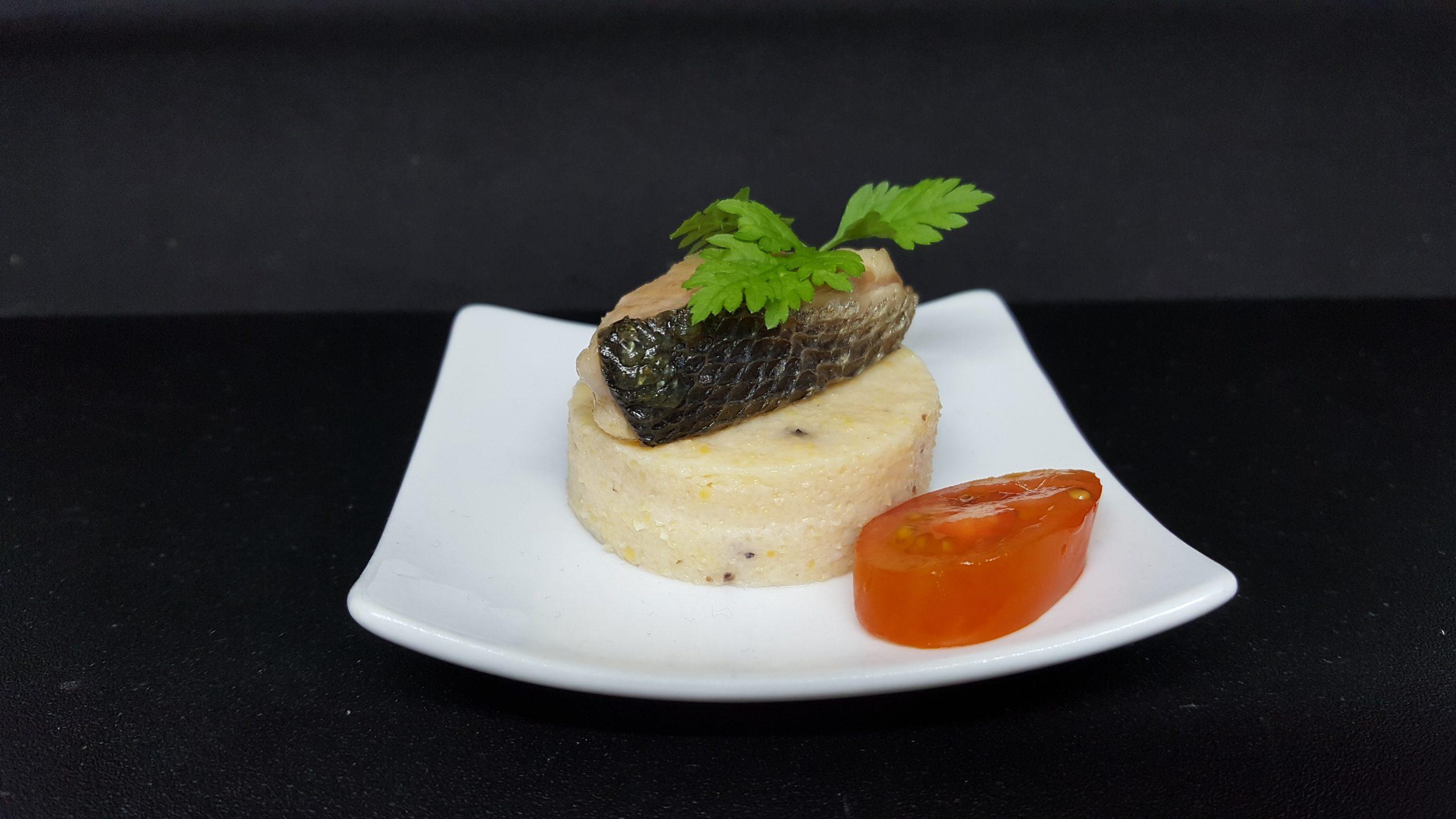 Pièce cocktail traiteur SQY poisson polenta