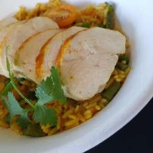 Assiette formule de poulet aux épices douces